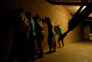 """Ser pobre e morar na favela será utilizado no destino do flagrante"" (Foto: Marcello Casal Jr/ABr)"